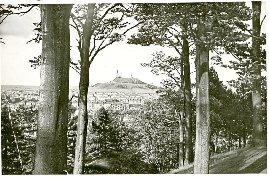 View of Dundee's Law Hill (date unknown).