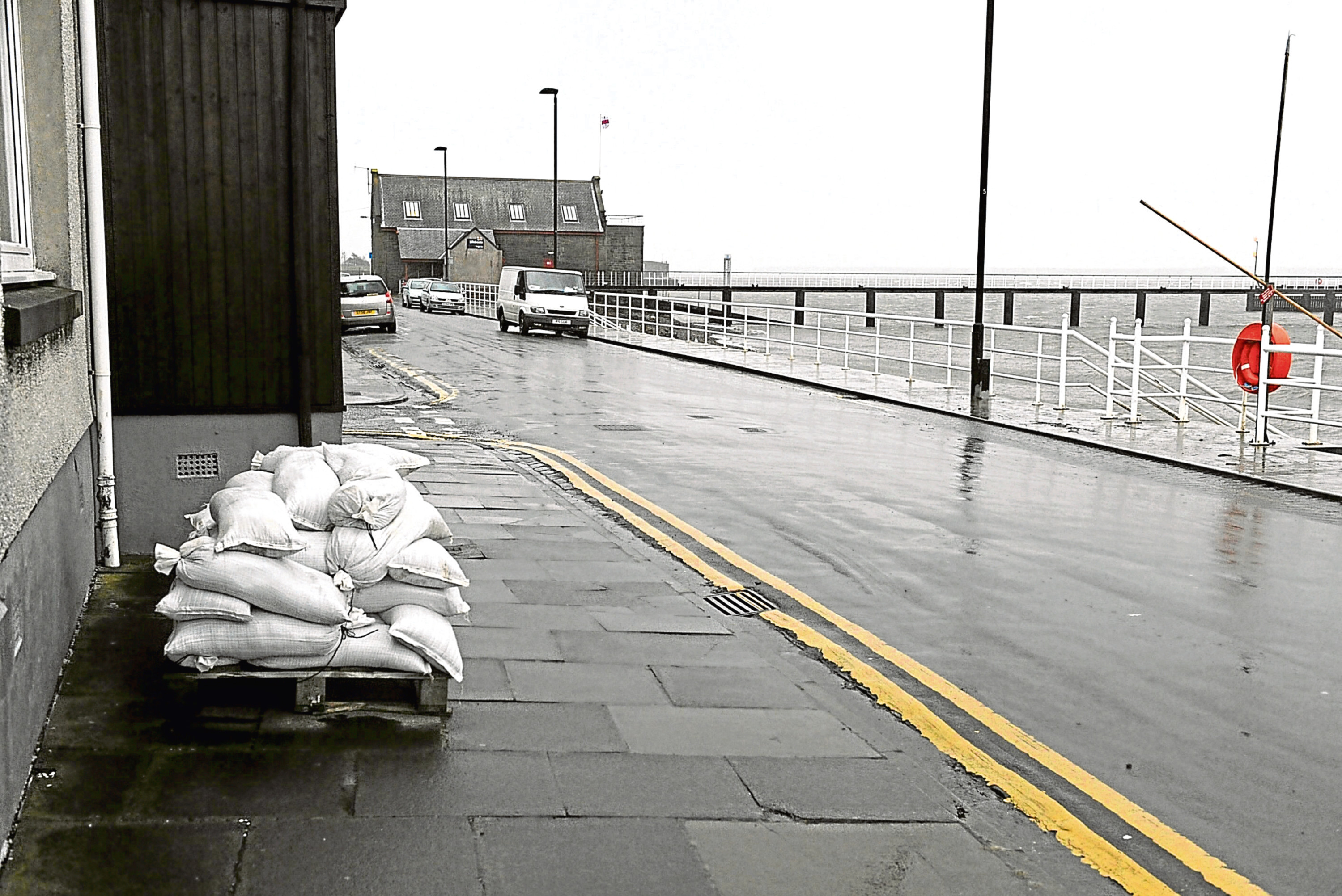 Sandbags at the ready in Fisher Street, Broughty Ferry