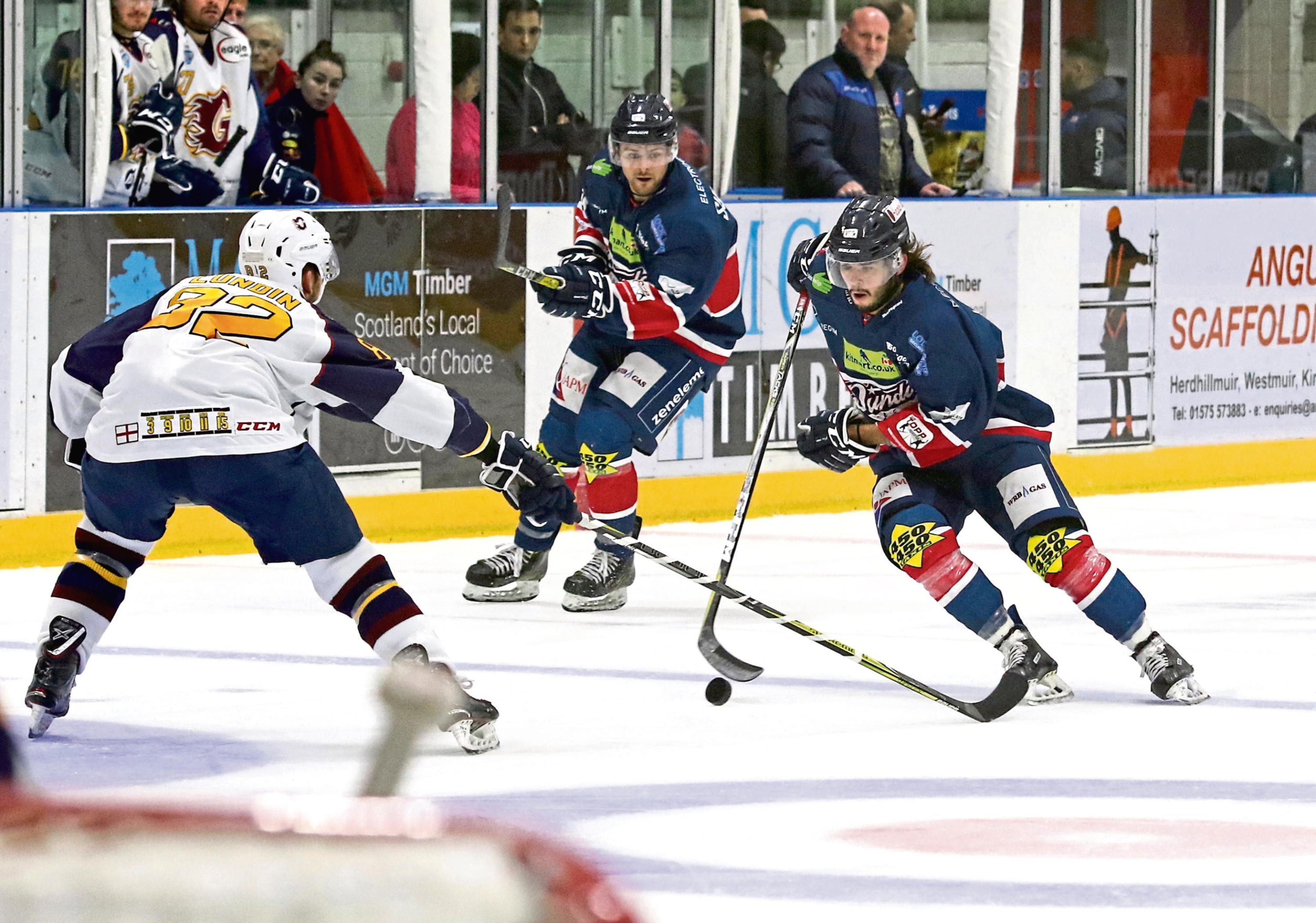 Dundee Stars' Lukas Lundvald goes one-on-one with Flames' Jez Lundin. Lundvald has been proving his worth to Stars and can be a big player again this weekend.