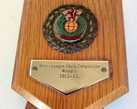 The shield Dennis Elder was given for winning The Black Trophy.