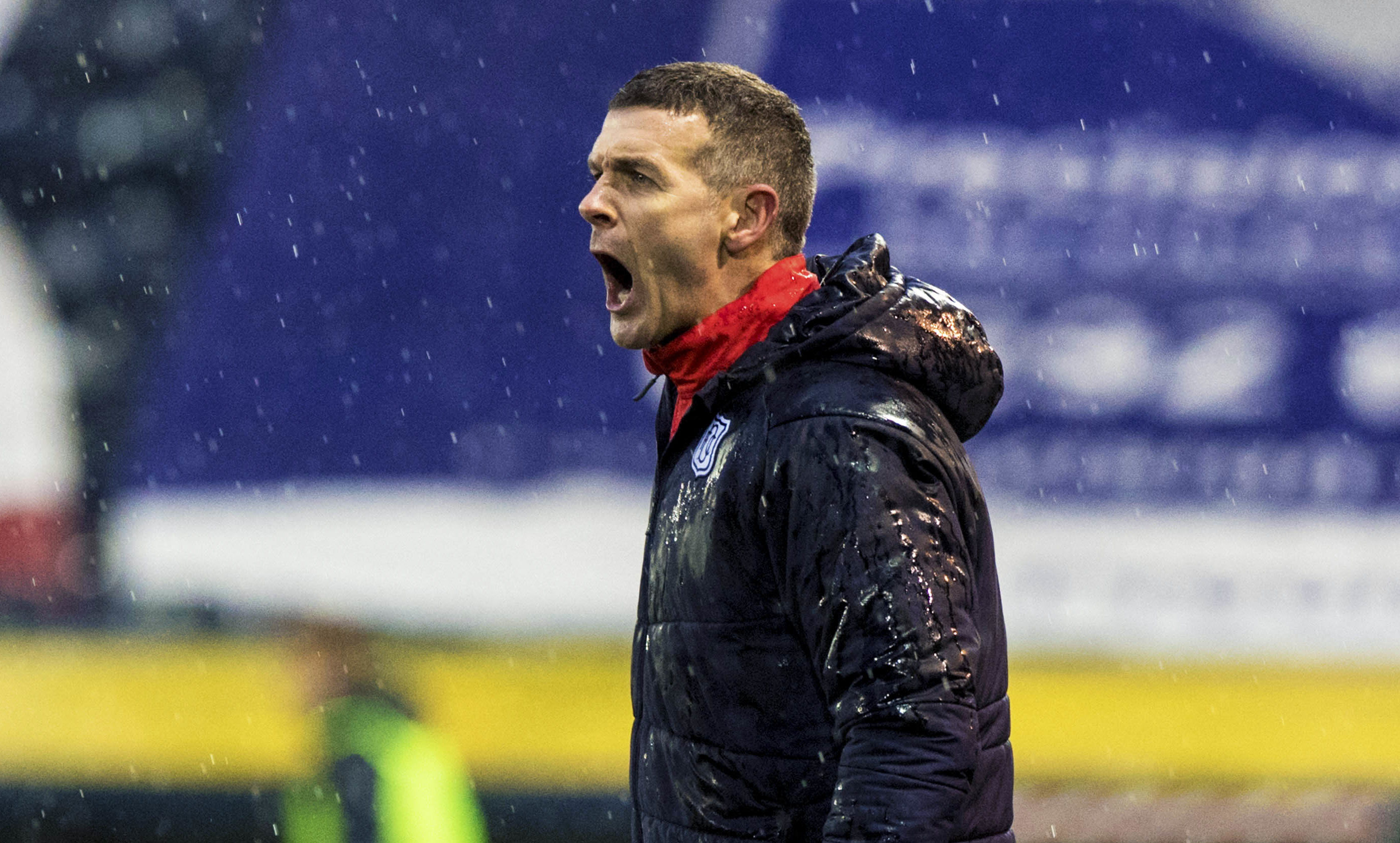 Dundee manager Jim McIntyre issues instructions from the sidelines