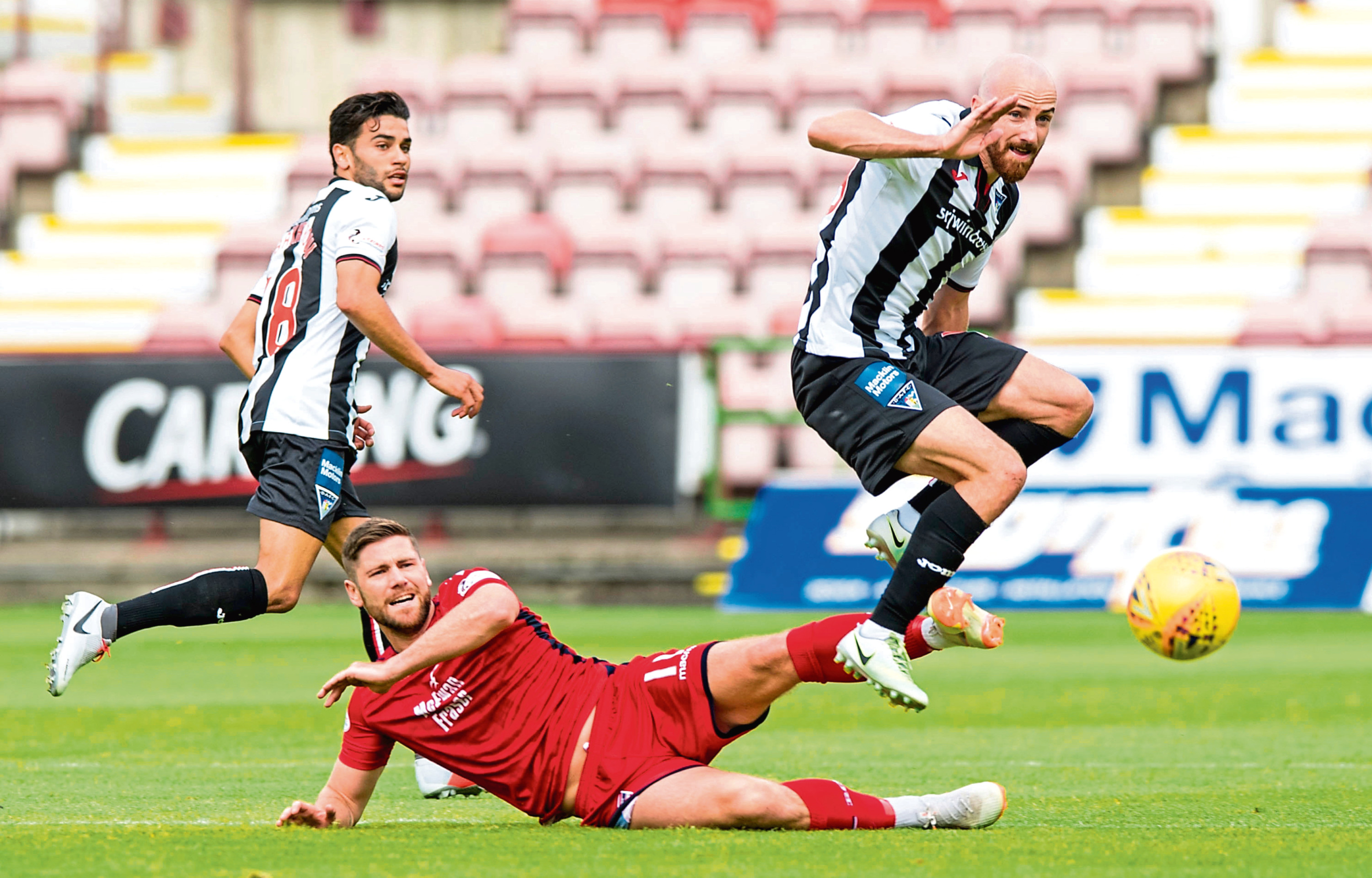 Dundee's Faissal El Bakhtaoui and James Vincent are currently on loan at Dunfermline this season in the Scottish Championship