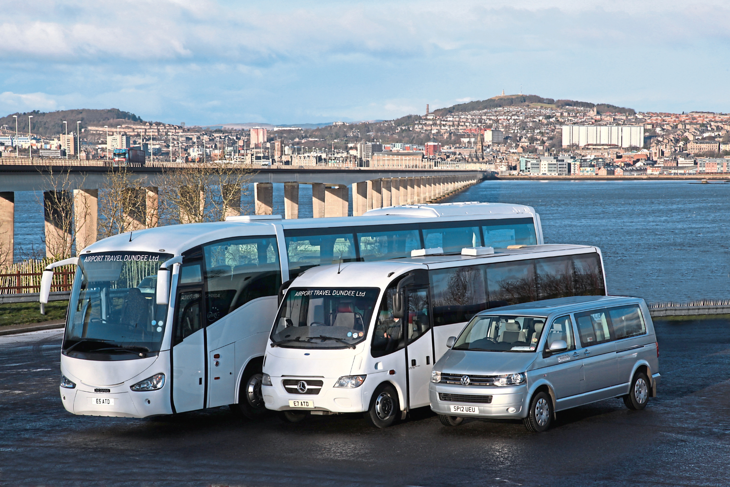 Airport travel dundee vehicles