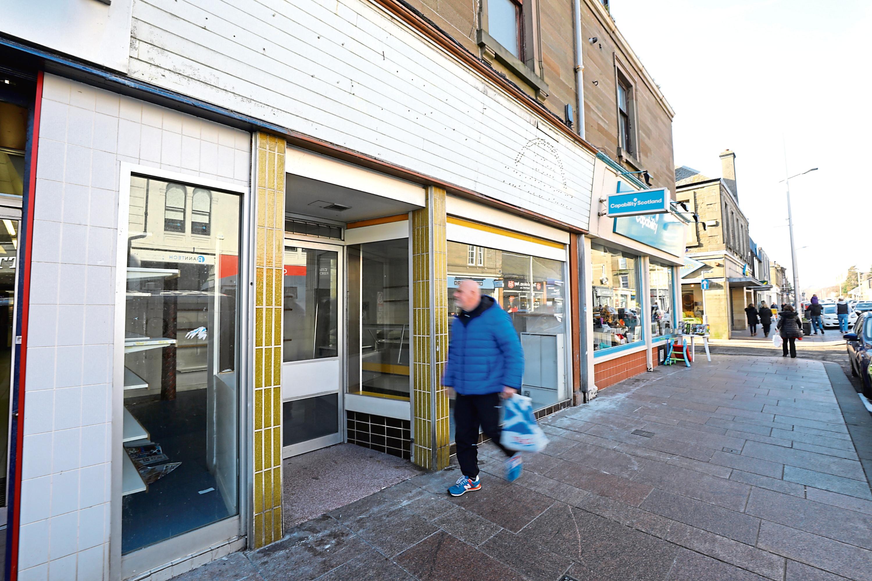 Tele News - Jon Brady story - Former Quality Foods shop.  CR000 Picture shows; the former Quality Foods shop in Brook Street, Broughty Ferry today. Wednesday 27th February 2019. Dougie Nicolson / DCT Media.
