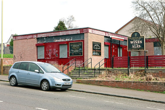 The former Rowantree pub on Buttars Loan.