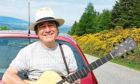 Alyth singer Bob Stewart