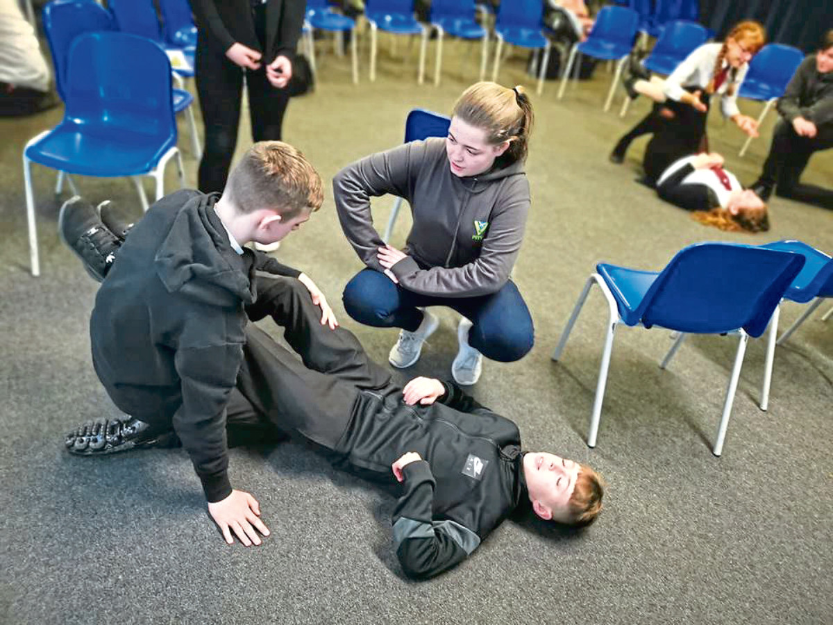 Children learn about the dangers of carrying a knife.