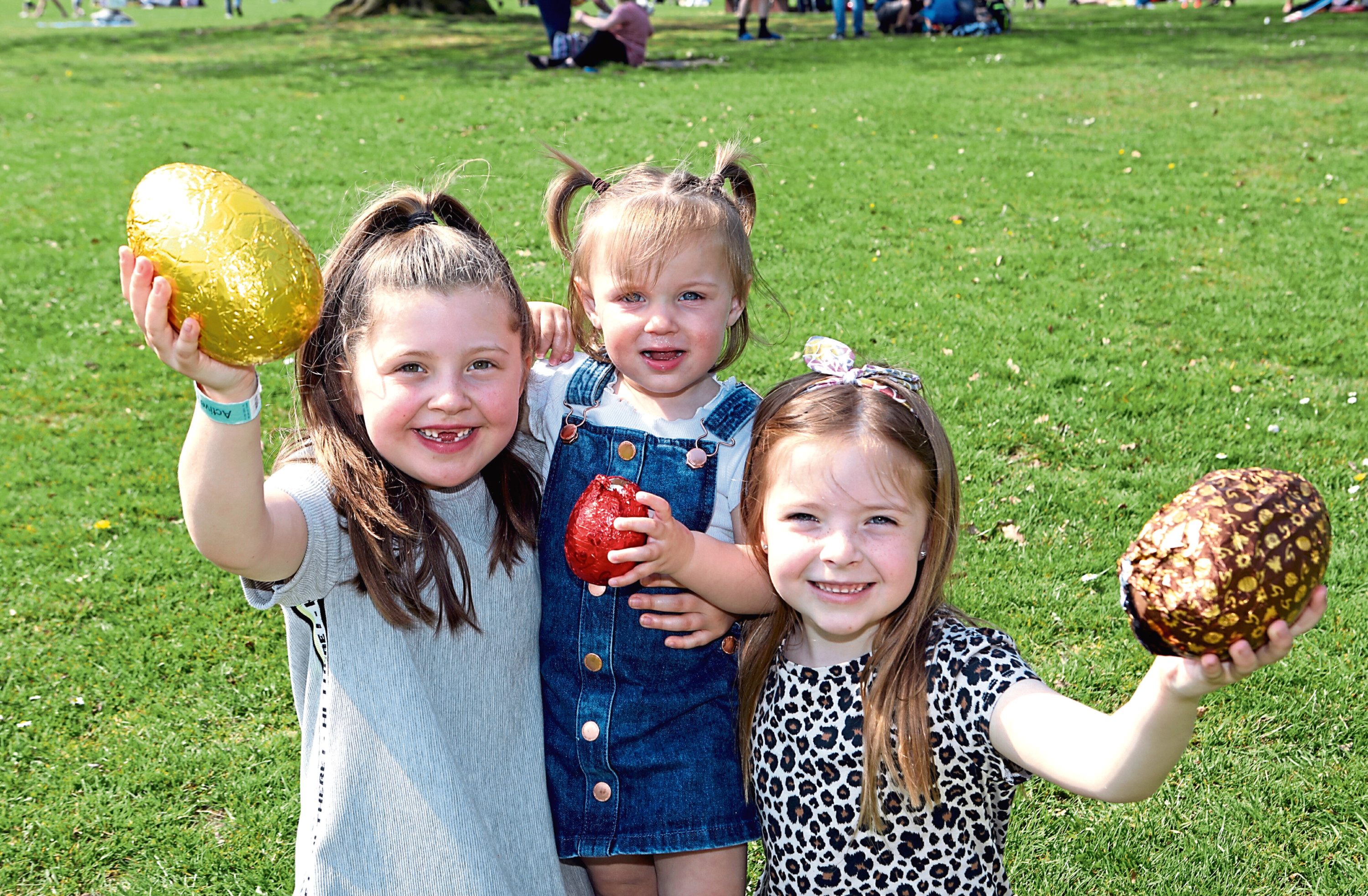 Lexi McLaggan (7), Zahra Scrimgeour (1) and Laya Alexander (7) from Clatto Woods
