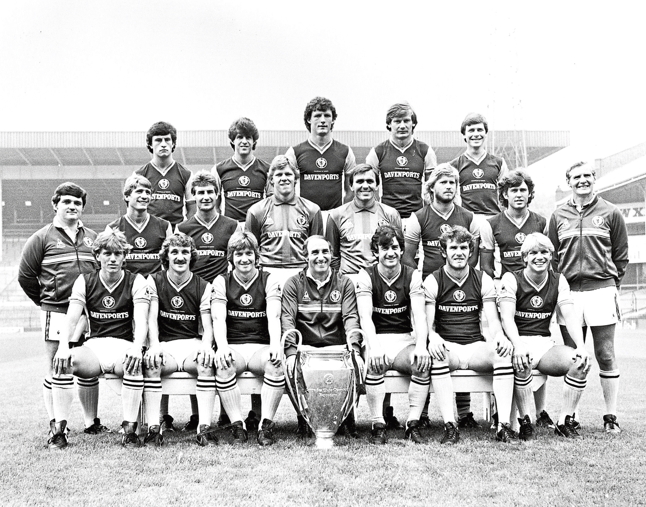 Aston Villa football club 1982 European Cup winning side Front Row l to r  Tony Morley , Des Bremner , Kenny Swain , Tony Barton ( manager ) Dennis Mortimer ( Captain ) Peter Withe , Gary Shaw  Middle Row Gordon Cowans , Andy Blair , Nigel Spink , Jimmy Rimmer , David Geddis , Gary Williams Back Row Terry Bullivant ,Colin Gibson , Allan Evans , Ken McNaught , unknown