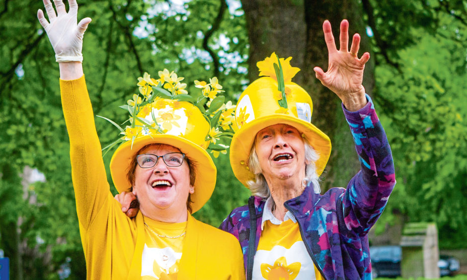 Brenda Marr, left, and Catherine Walker from Dundee Marie Curie fundraising group.