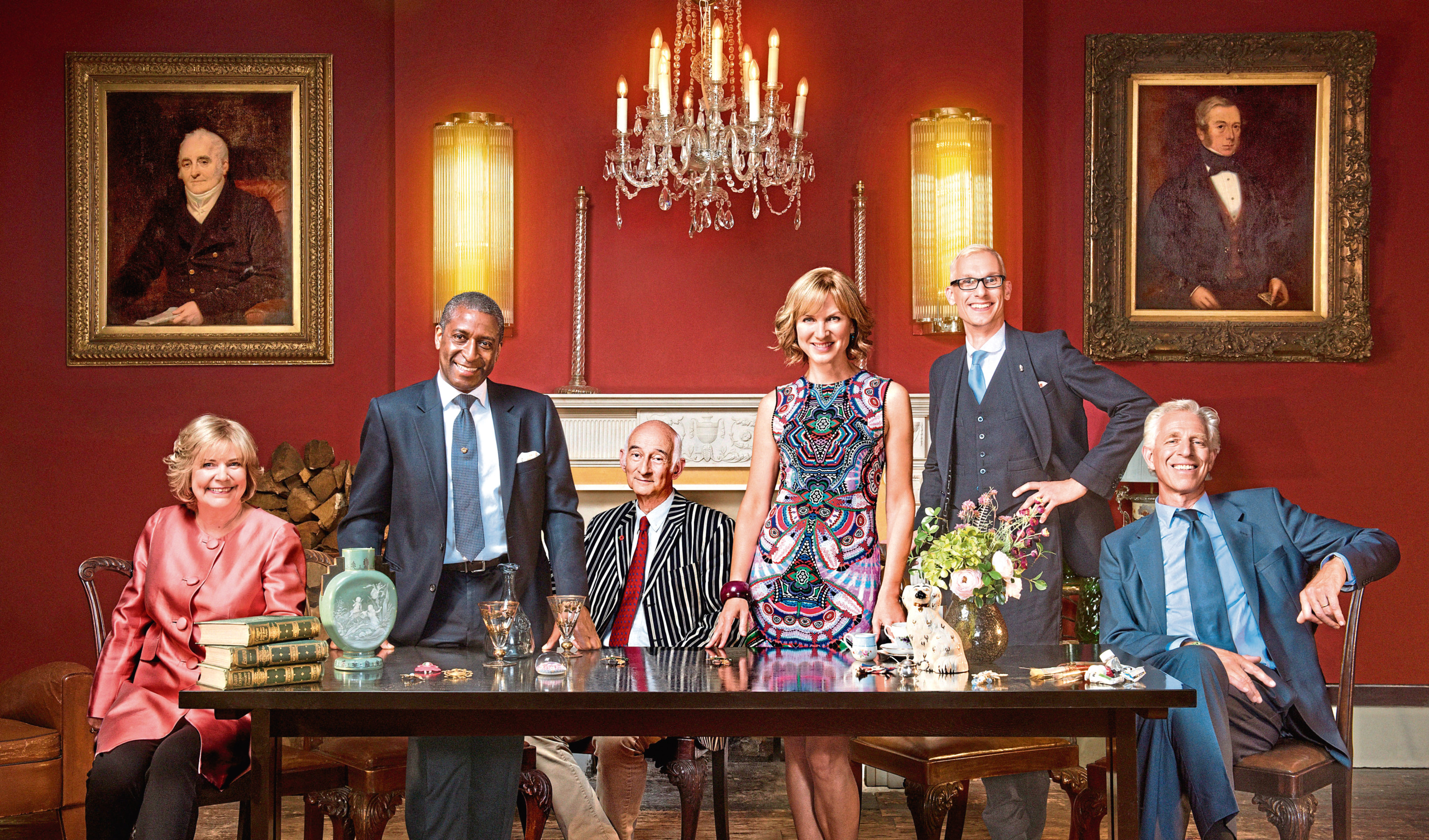 Fiona Bruce, standing, is bringing some experts to Dundee for the Antiques Roadshow.