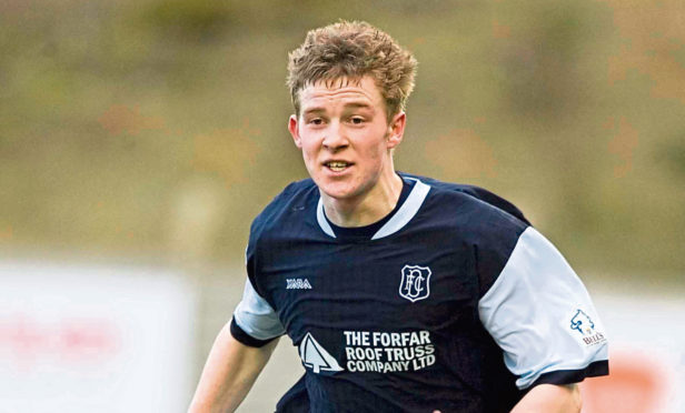 Paul Dixon in action for Dundee.