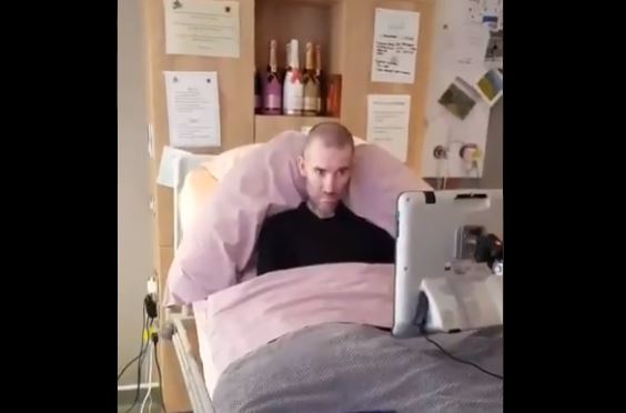 Fernando Ricksen lived in a hospice in the final months of his life and used a computer to talk., similar to the one Stephen Hawking used.