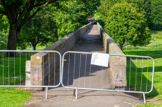 The Finlathen Park Bridge has been closed off by Dundee City Council.