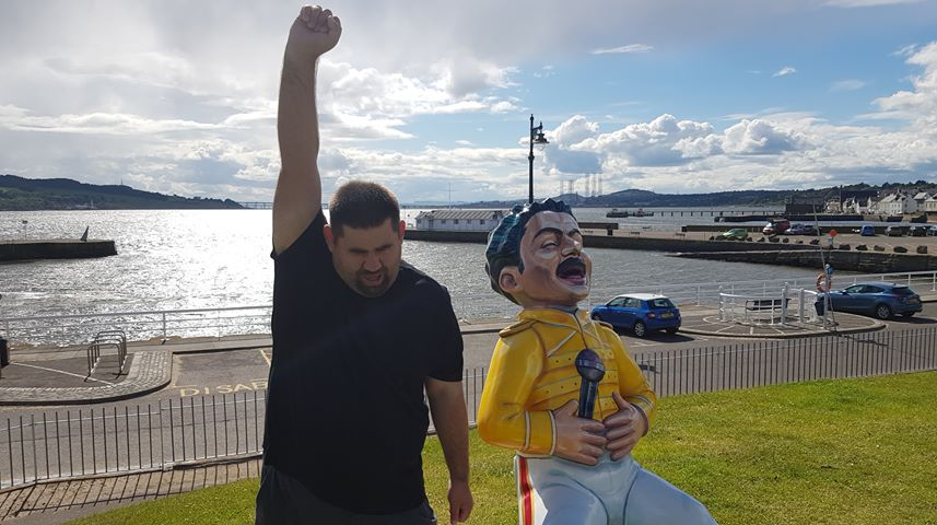 Ross Inglis, 30, with Oor Freddie in Broughy Ferry.