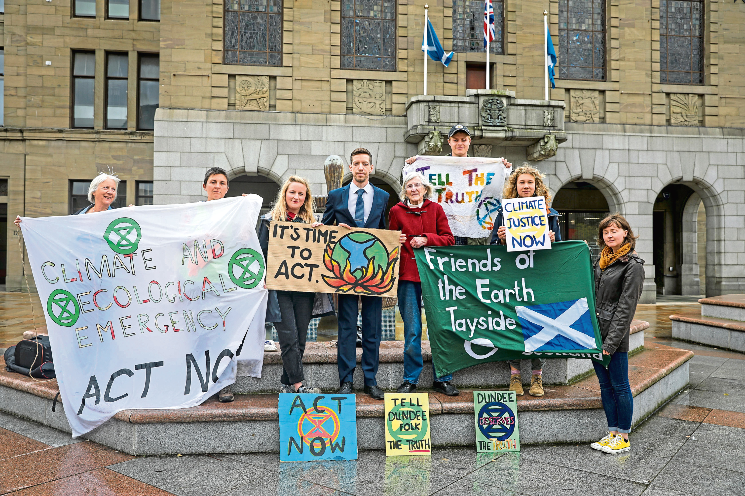 Councillor John Alexander with members of Extinction Rebellion Dundee and Friends of the Earth.