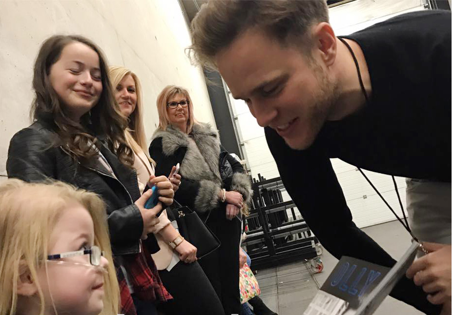 Ruby meeting pop star Olly Murs.
