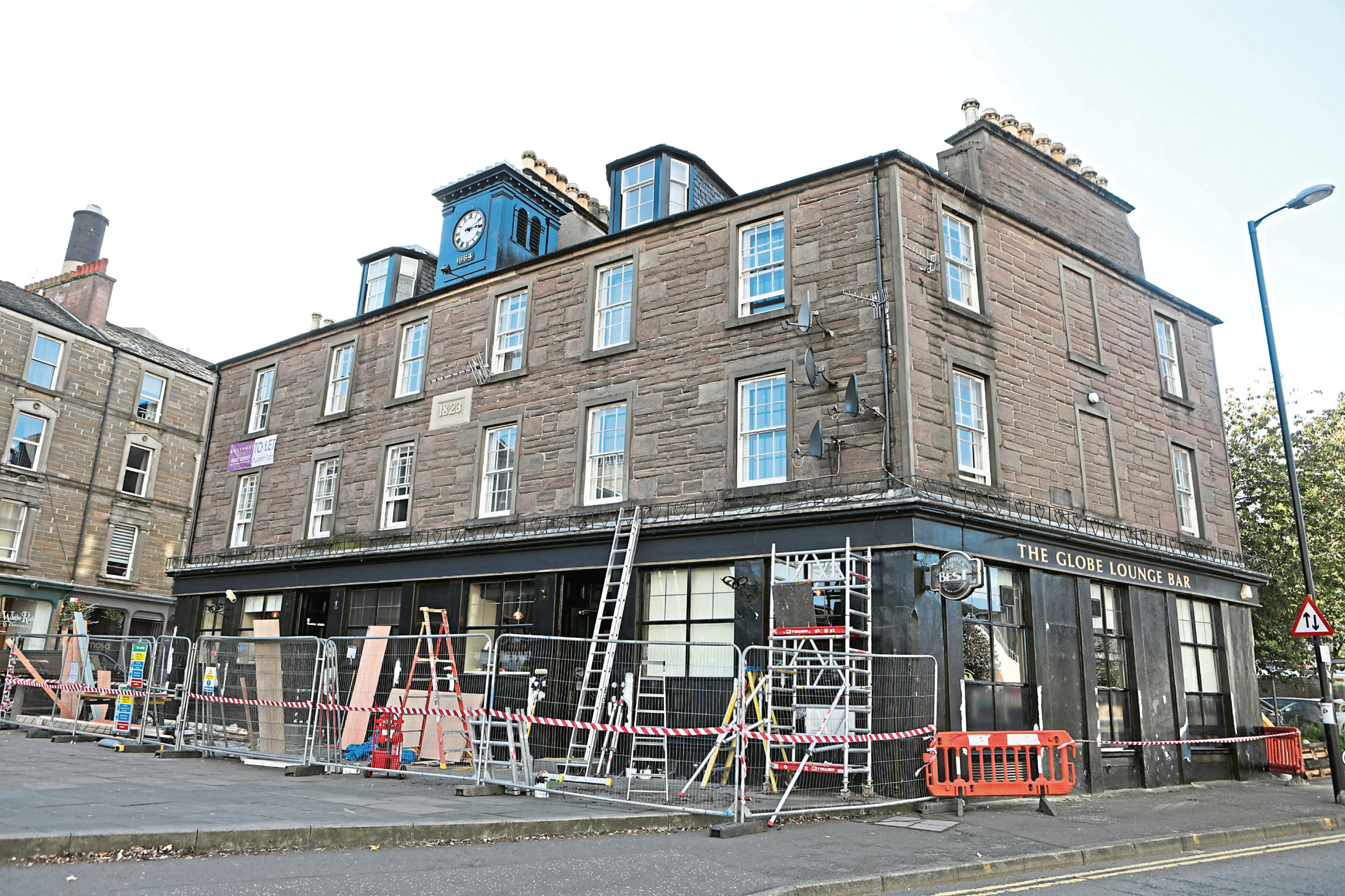The Globe Bar Dundee being refurbished.