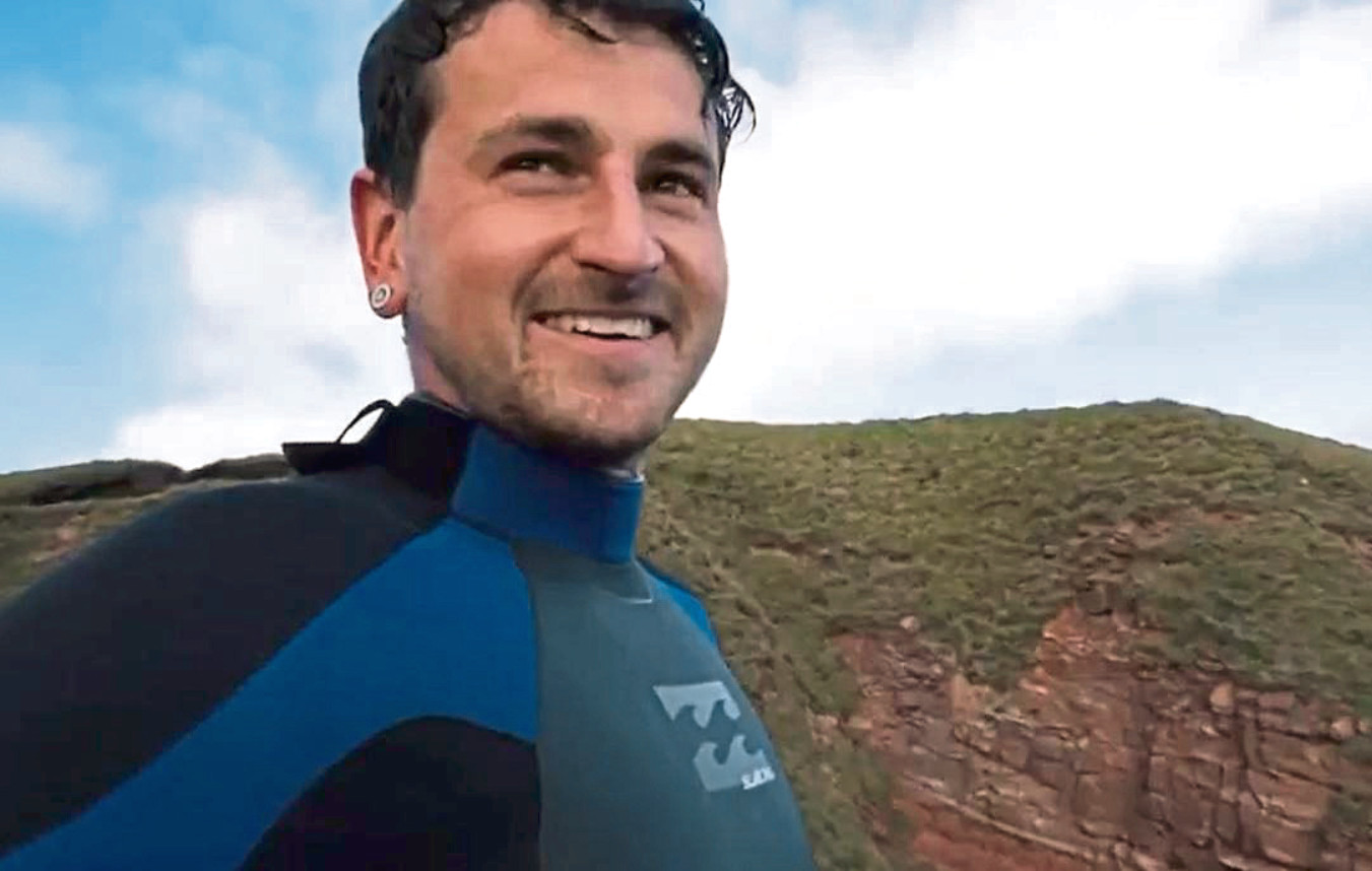 Lee Mitchell, Cliff jumping at Arbroath Cliffs.  screengrabs from a video taken, permission granted.