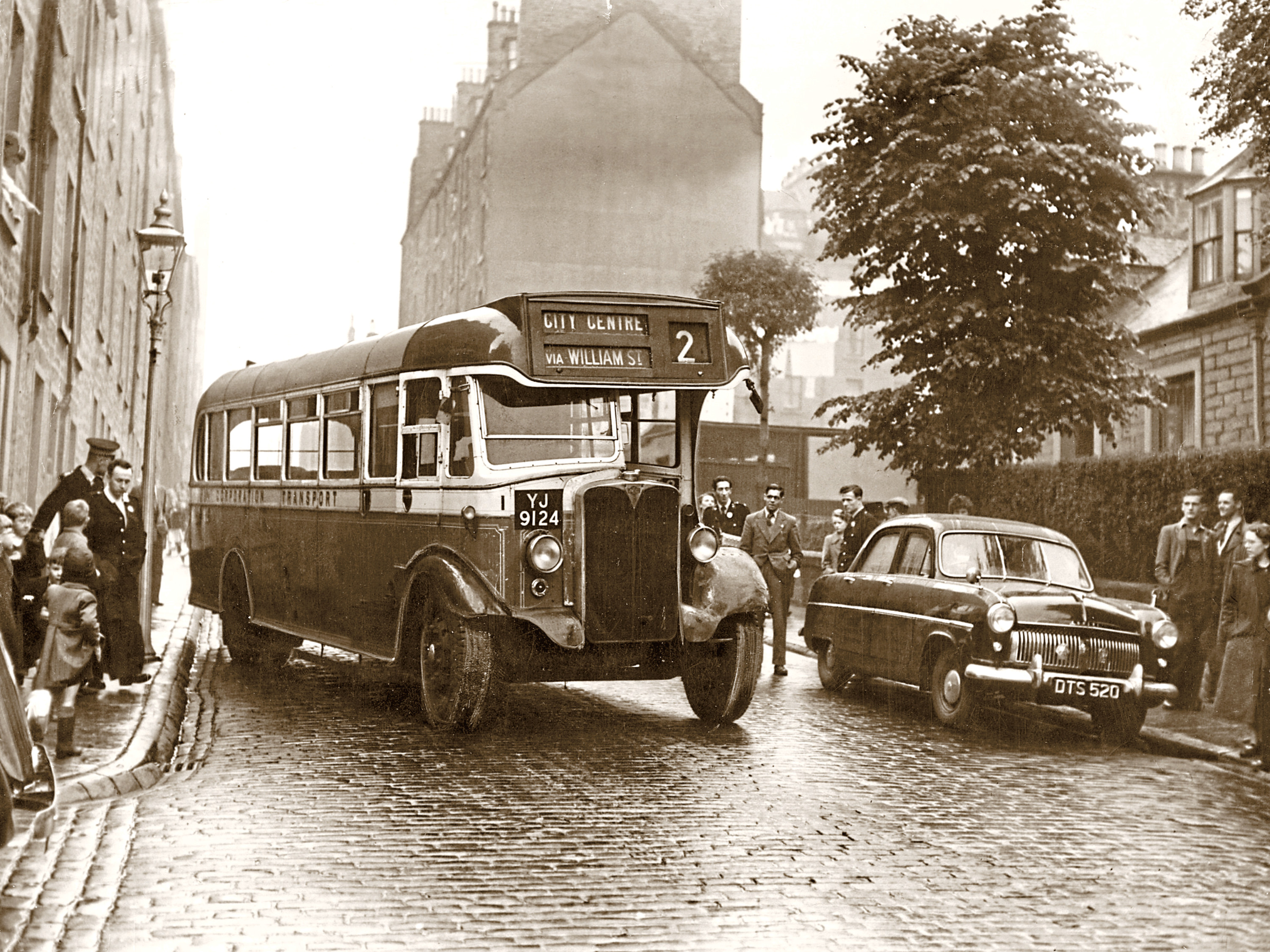 A Dundee Corporation bus in William Street in 1954.
