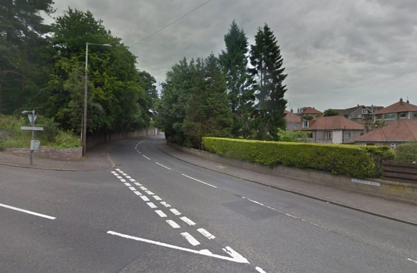 Police called to car crash at busy junction on major