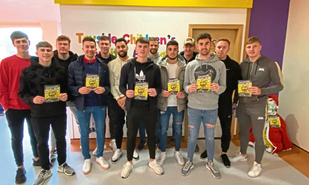 Football stars from Dundee FC have backed an initiative asking residents to ditch the razors.