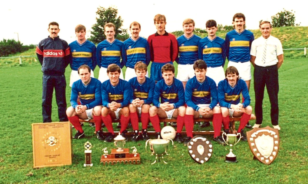 Lochee United JFC (1988-89).