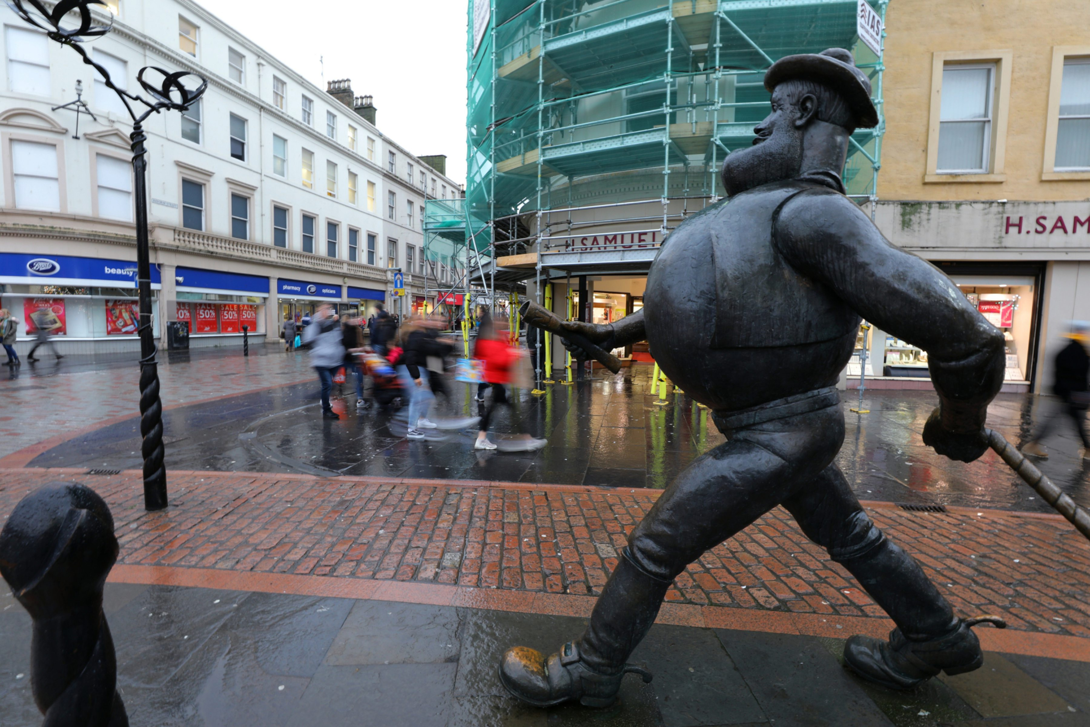 Mr Alxander hopes shoppers will continue to shop in the city centre. (Picture by Dougie Nicolson / DCT Media).