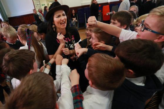 KT Tunstall with Primary 5 Pupils at Dundee High School.