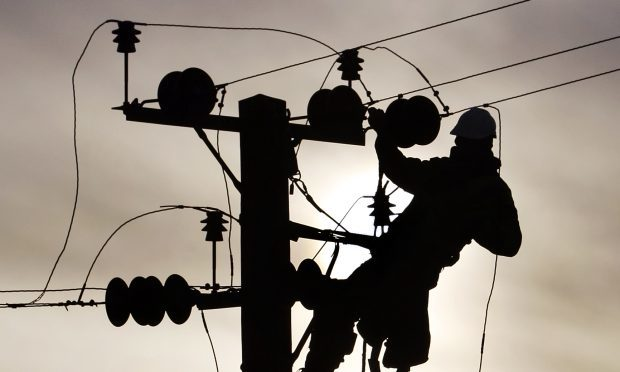 Scottish and Southern Electricity Networks (SSEN) reported the fault at 8.16am, with homes in the DD3 area affected.