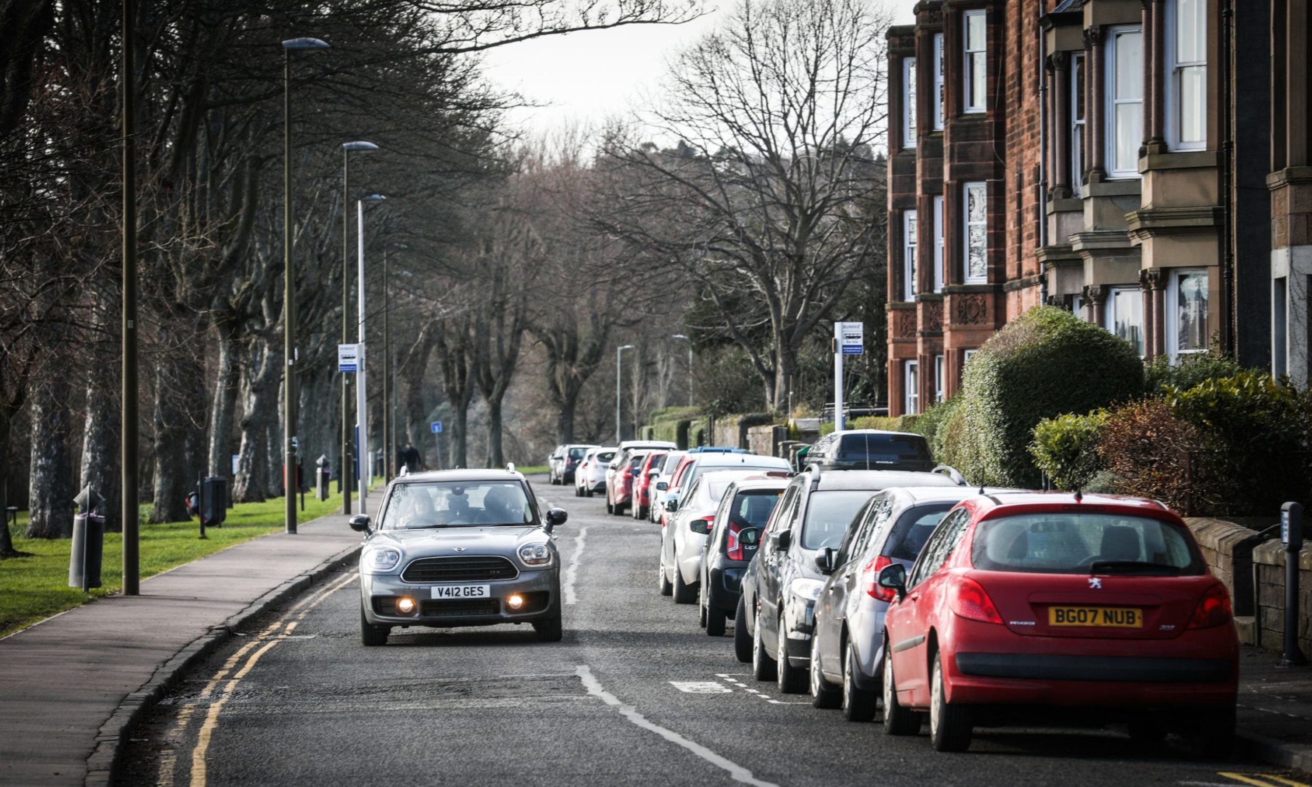 The Evening Telegraph, CR0020417, News, GV's of Magdalen Yard Road in Dundee's West End to go with story about a report showing cars have consistently been going over the speed limit here. Picture shows; cars on Magdalen Yard Road. Wednesday 11th March, 2020. Mhairi Edwards/DCT Media