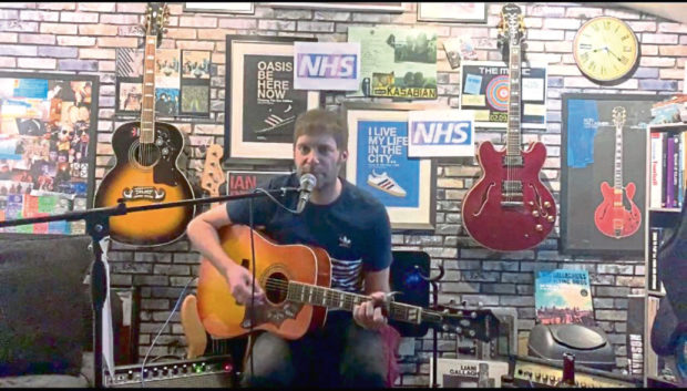 Alan Turner has raised nearly £400 for the NHS and is raising awareness of Jill Steedman's cancer battle through live stream gigs.