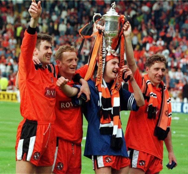 Bowman lifts 1994 Scottish Cup with United