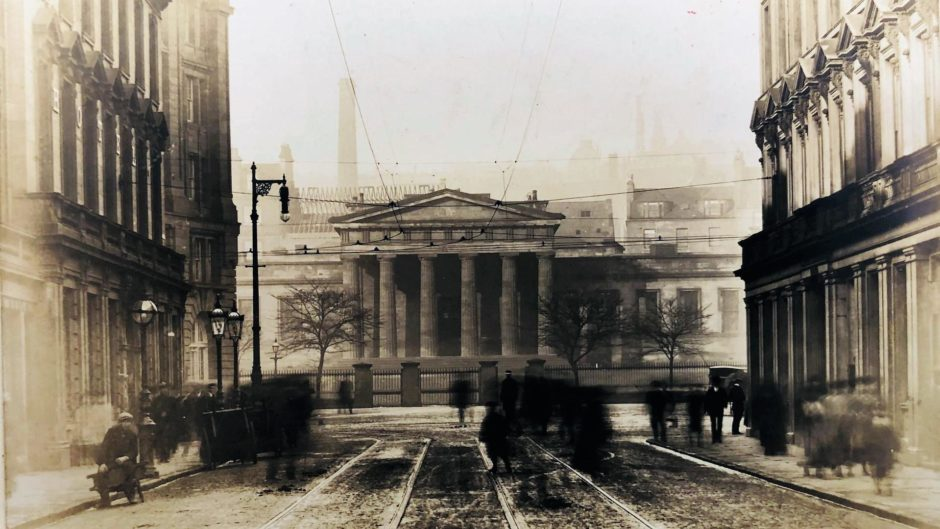 The image of the High School from 1900.