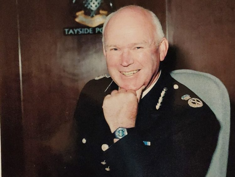 Tributes have been paid to former Chief Constable Bill Spence.