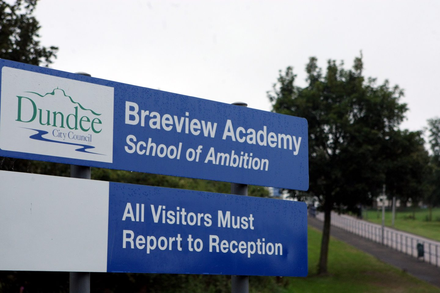 Braeview Academy Building exterior of Braeview Academy, Dundee.  Braeview Academy sign.