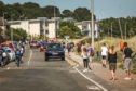 People flocked to Broughty Ferry sparking fears over social distancing (Picture: Mhairi Edwards/DCT Media)