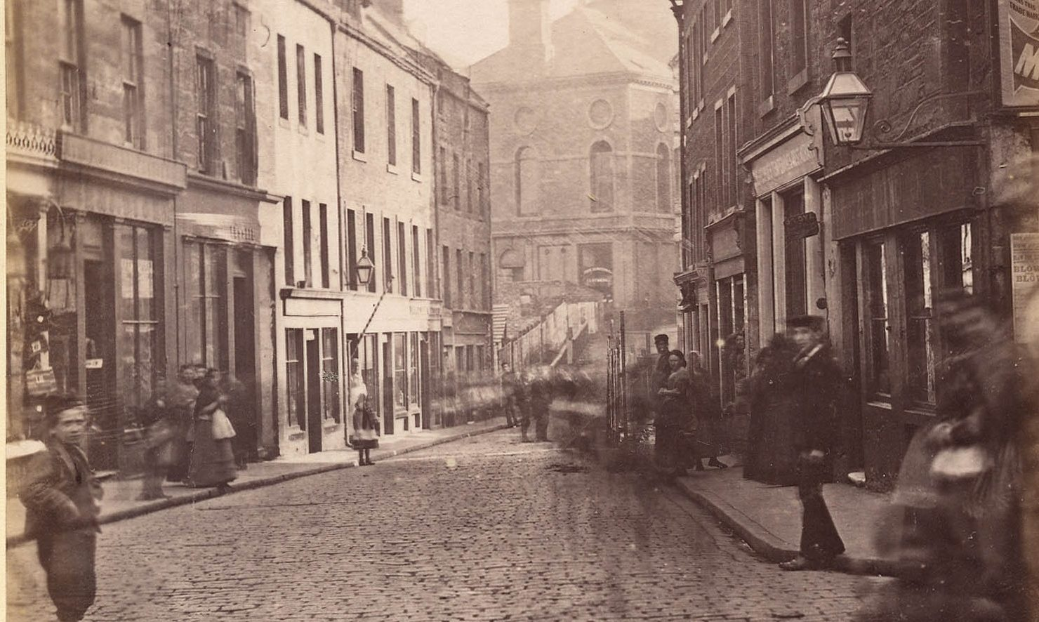The narrow of the Murraygate looking towards High St before improvement in 1875.