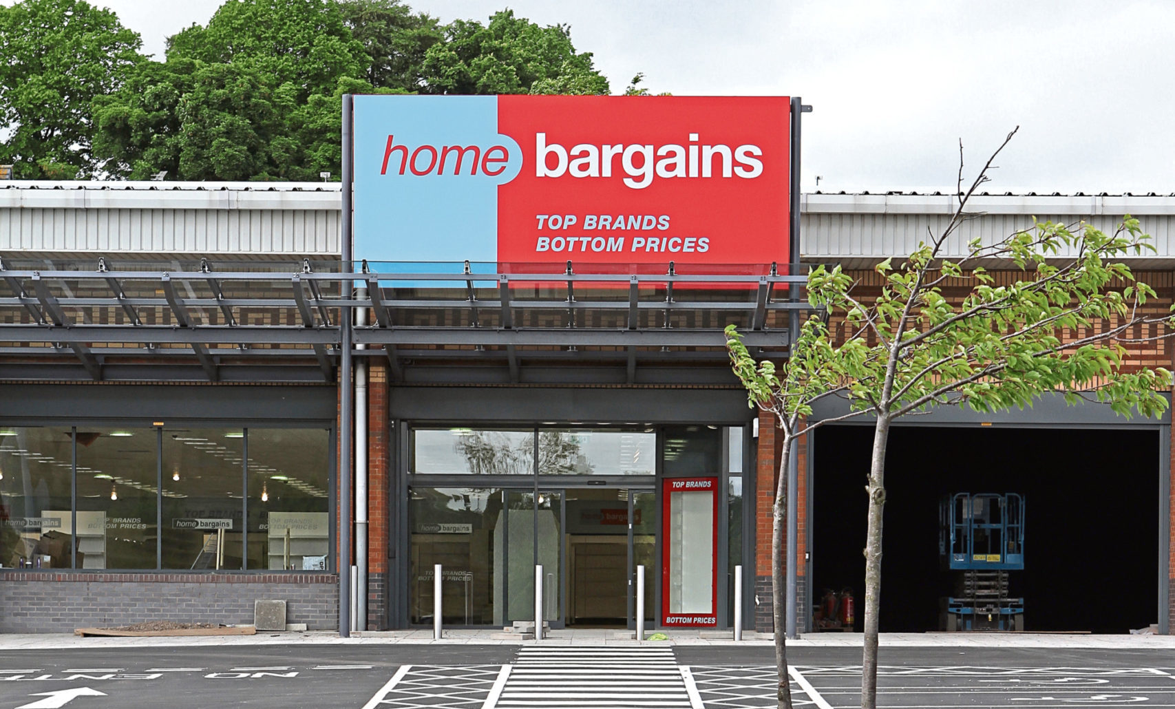 The Home Bargains Store in Lochee.