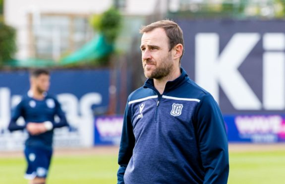 Dundee assistant manager Dave Mackay.
