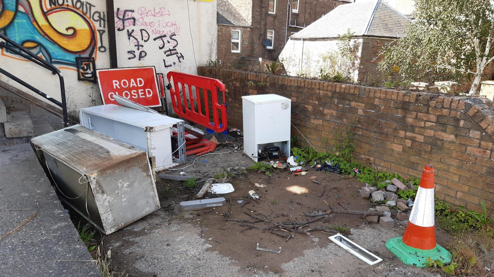 Residents have been complaining of littering and fly-tipping in Lochee.