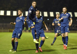 Dundee cult hero Les Barr is hopeful the current Dark Blues squad has the right mindset to get out of a tough Championship next season