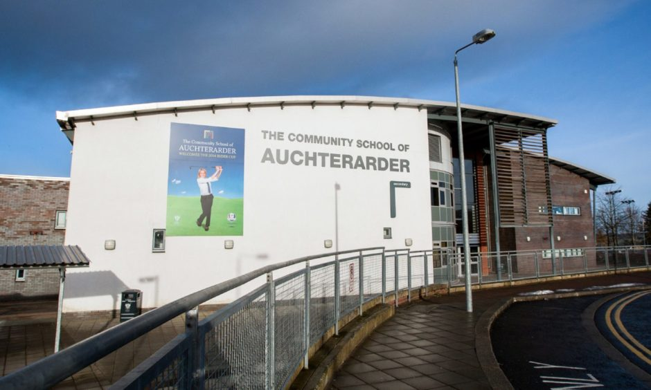 A pupil at the Community School of Auchterarder has tested positive for Covid-19.