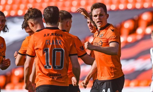 Lawrence Shankland (right) will face former club Aberdeen today.
