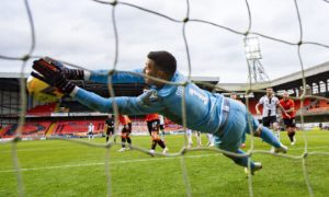 Dundee United goalkeeper Benjamin Siegrist made a string of superb stops in the 0-0 draw against Aberdeen on Saturday.