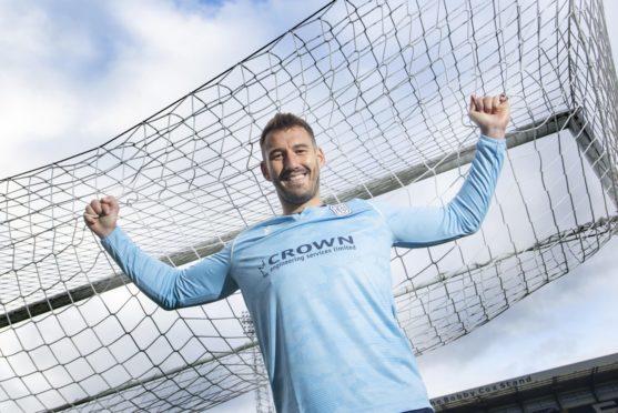 New Dundee signing Adam Legzdins. Pic: David Young.