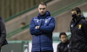 Dundee boss James McPake holds crisis meeting with squad to sort out defensive problems