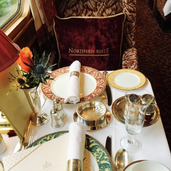 Northern Belle Table Setting