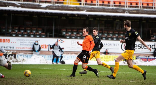 Lawrence Shankland makes it 2-0.