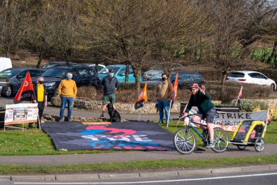 Scottish Gas employees held a last ditch protest against the company's fire and rehire policy.